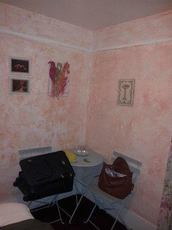 Hotel de Lille- louvre: habitación