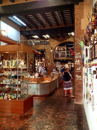 Puerto Rican Art & Crafts: This local art and crafts store still maintains the building's original Spanish architecture: br