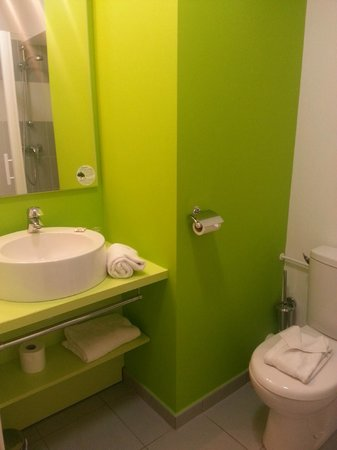 Appart'City Confort Tours: baño