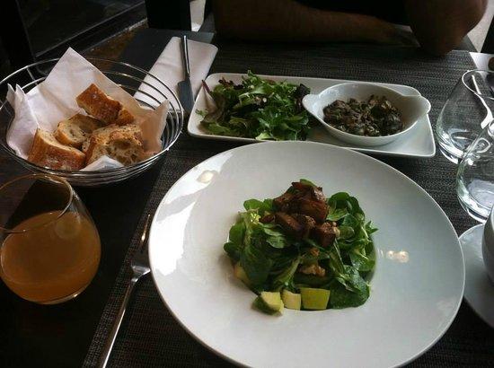 Gentle Gourmet Paris : Tofu Avacado Salad and Mushrooms