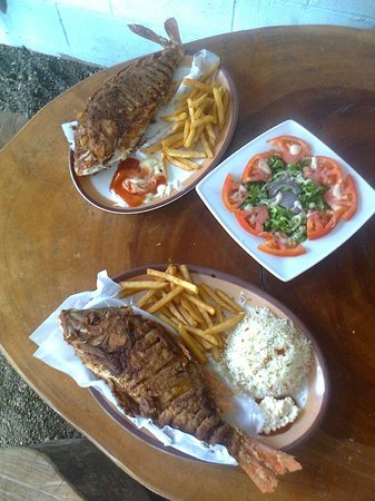 Restaurante Delicias Bahia Drake : Pescado