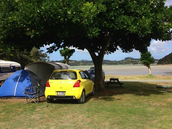Beachside Holiday Park : Our tent looking out to sea