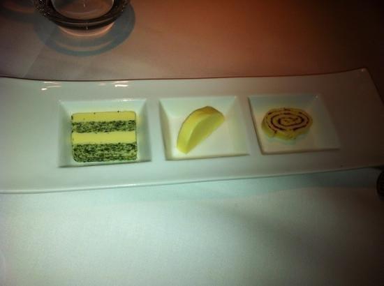Restaurant Nobel: burro alle alghe, al naturale e al pomodoro