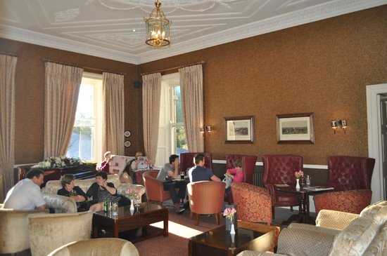 Faithlegg House Hotel & Golf Resort: Common room/bar