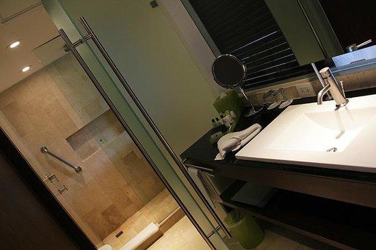 Presidente InterContinental Cancun Resort: Bathroom.