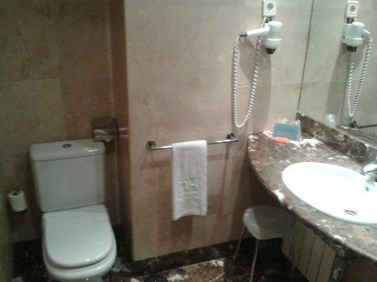NH Leganés: Salle de bain