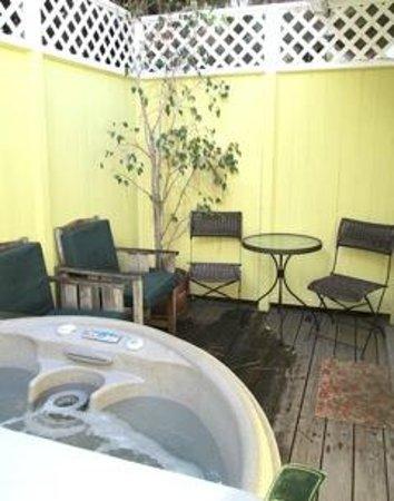 The Secret Garden Inn: *