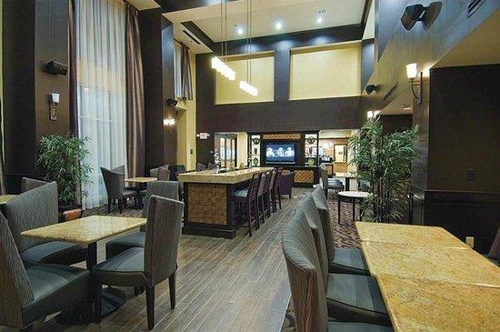 Hampton Inn & Suites Palestine: Lobby