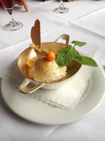 Cafe Strupait: karamellisierte Mango mit Honigmascarpone