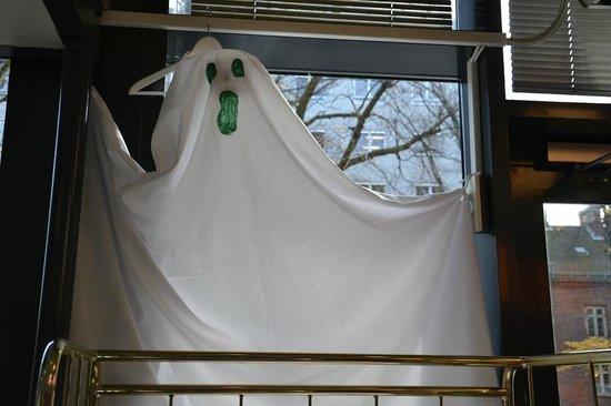 Anker Hostel : Halloween decor! :)