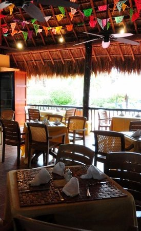 Allegro Cozumel: dining room by pool was always inviting