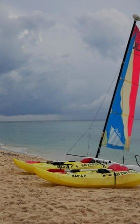 Allegro Cozumel: sailboats and Kayaks free to use.
