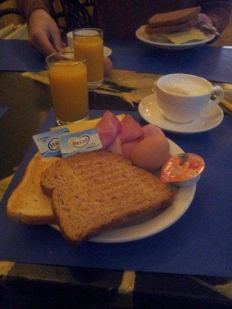 Hotel Torenzicht : B'fast Day 2