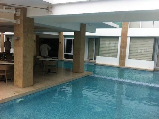 "Estacio Uno Lifestyle Resort: pool and ""direct pool access"" rooms"
