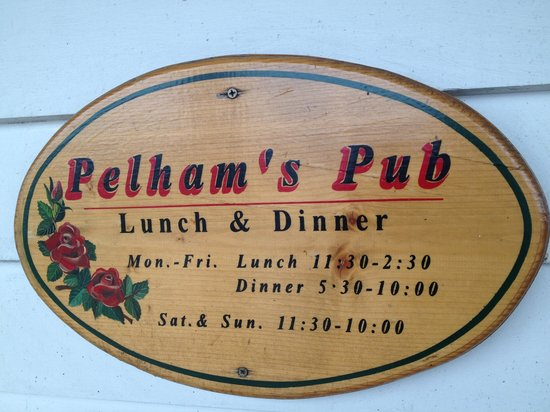 Pelham's Pub: Sign