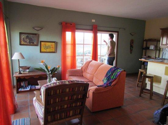 Finca El Moral: Woonkamer van appartement 4