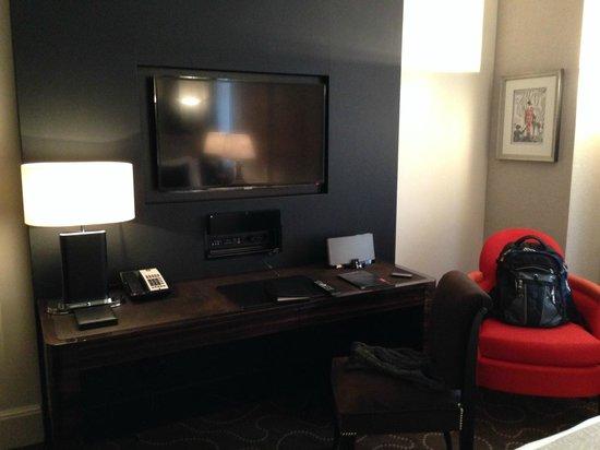 Prince de Galles Hotel: Room