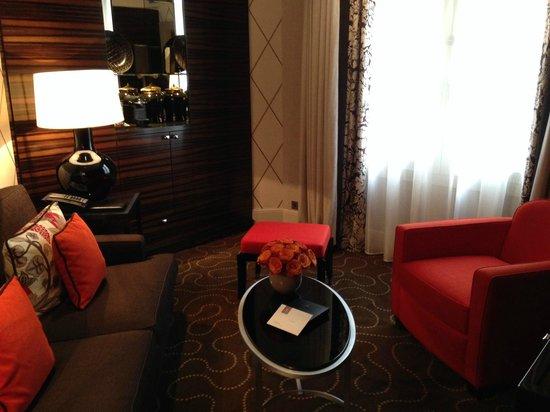 Prince de Galles Hotel: Living room