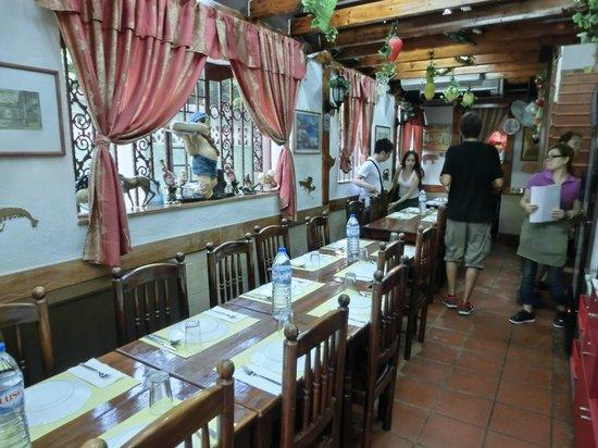 Amagao: 店內空間,就這幾桌