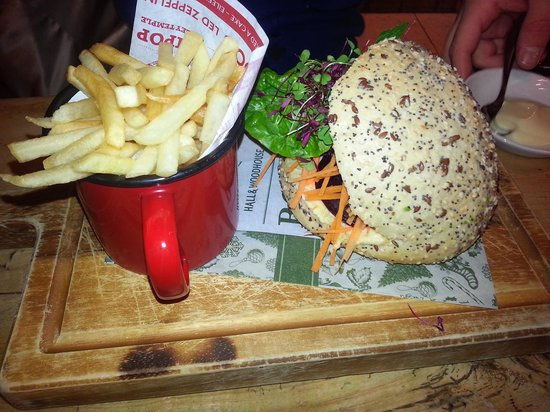 The Gardeners Arms: Lunch sandwich, but there is a full menu!