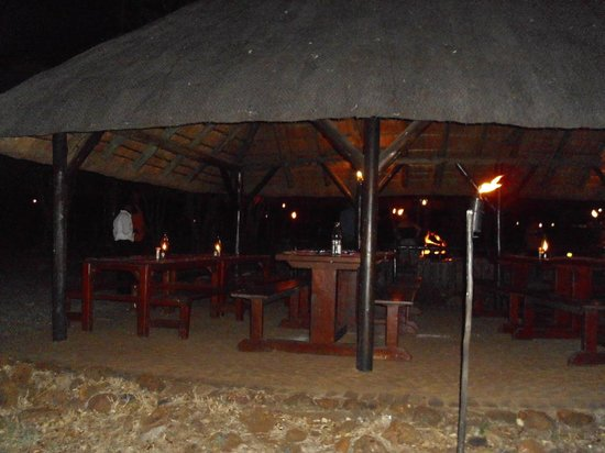 Bakubung Bush Lodge : Bush- dinner area
