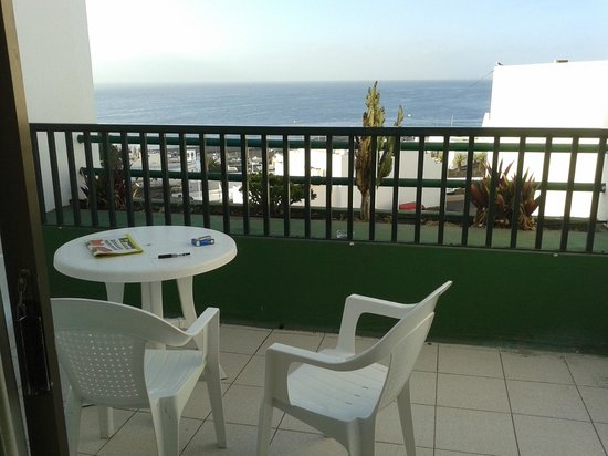La Florida Apartments : Balcony quite spacious