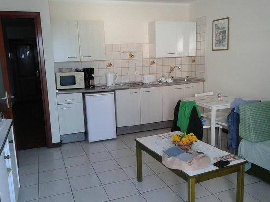 La Florida Apartments: Living Room / Kitchenette