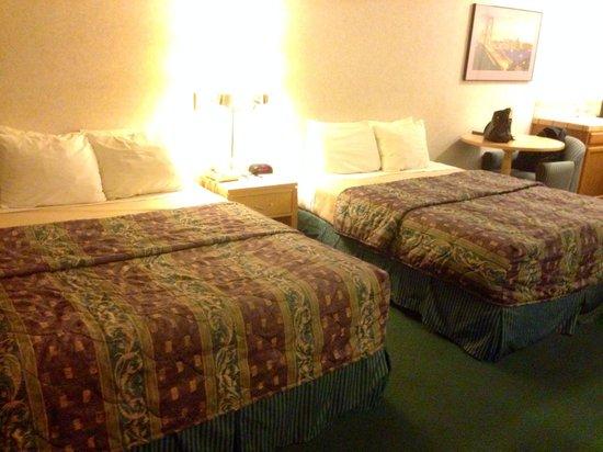 Nob Hill Motor Inn: Schlafzimmer