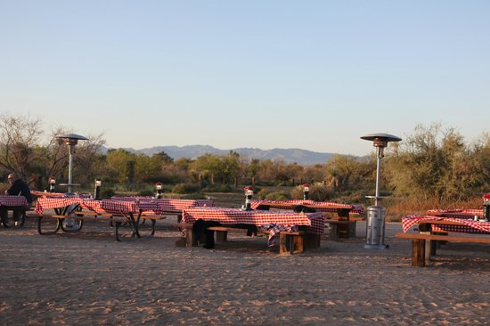 Rancho de los Caballeros: Outdoors