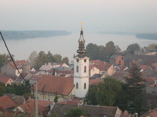 Gardos - Tower of Sibinjanin Janko: Вид на емун и Дунай