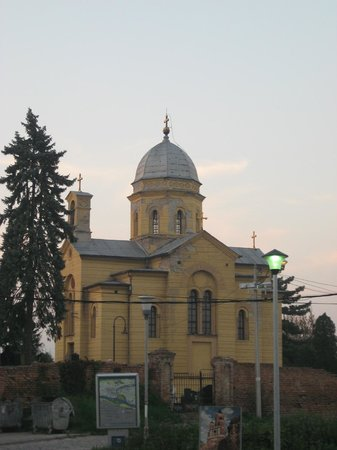 Gardos - Tower of Sibinjanin Janko: Соседняя церквушка