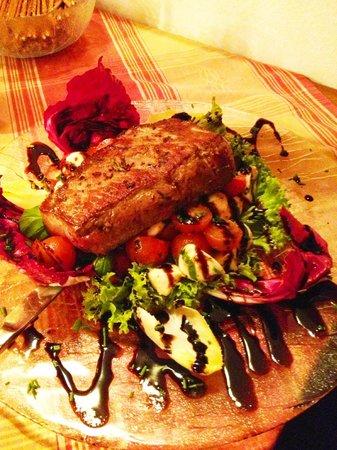 Zur Noll Hotel & Restaurant: Rumpsteak auf Salat