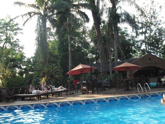 Orquideas Hotel & Cabanas : piscina
