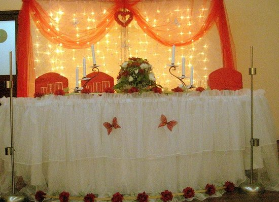 Restaurant Arcadia: Wedding   Bride And Groom Table Setup / Nunta   Masa  Mirilor Part 86