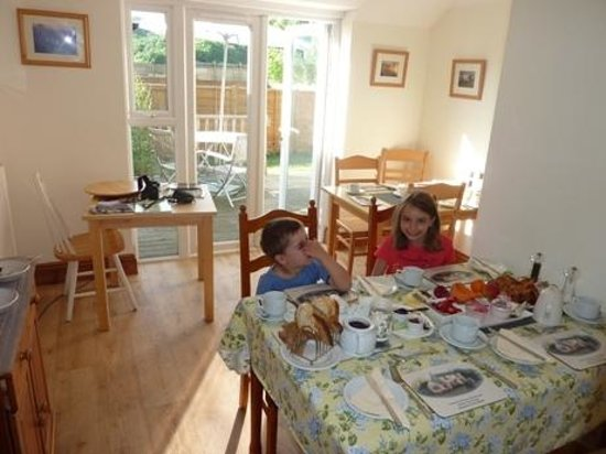 Forest Tea House: breakfast room