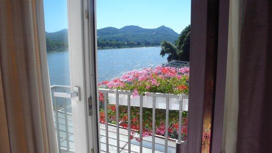 Ringhotel Rheinhotel Dreesen: Mein Zimmer mit Balkon und Blick zum Siebengebirge