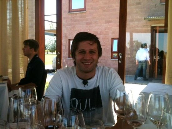 Posada El Encuentro: Fernando at our incredible winery lunch he arranged!