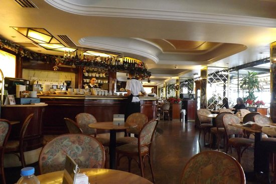 Qawra Palace Hotel: Hotel Cafe