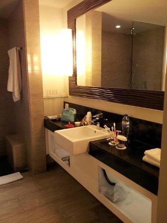 Sensa Hotel : Toilet