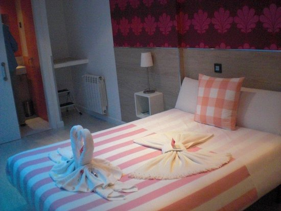 Hostal Madrid Inn : Mas de la habitación