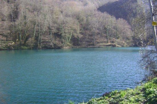 Antico Borgo Isola Santa: il lago