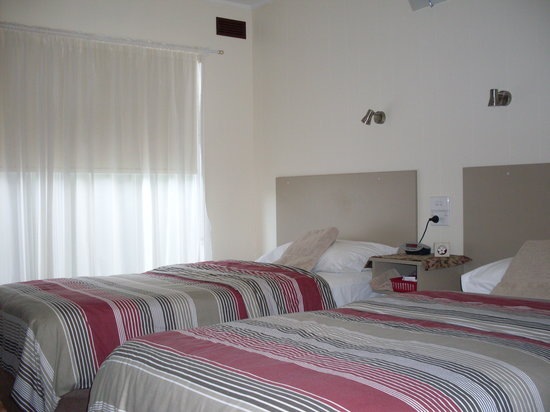 Yarrawonga Coghill Cottages: New queen and single beds