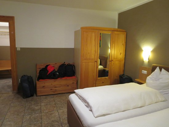 Pension Lindner: Floor 4 Double room with private shower and toliet