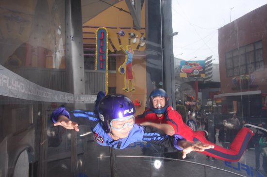 iFLY Hollywood Indoor Skydiving: Lillian's flying