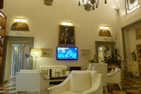 Golden Tower Hotel & Spa : Le salon