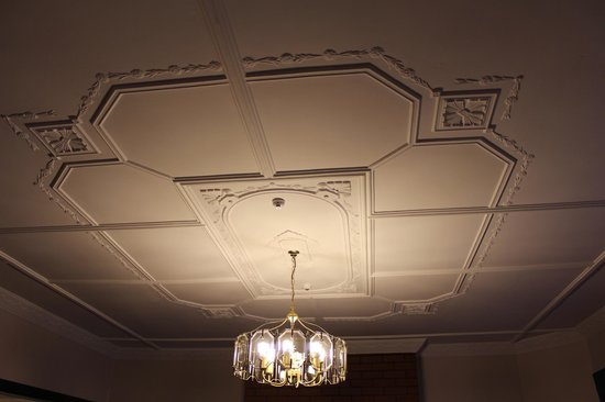 Foveaux Hotel: the ornate ceilings
