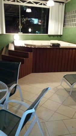 Hotel Valentini Di Lucca: Ofurô no apartamento
