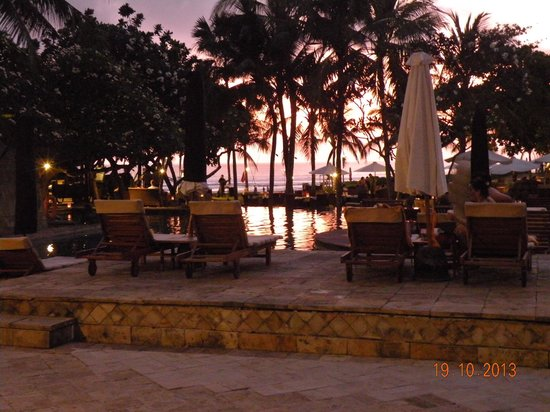 The Royal Beach Seminyak Bali - MGallery Collection : Dinner table view