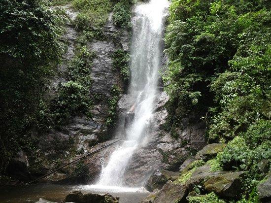 Pousada Kaliman: Cachoeira sentido São Sebastião
