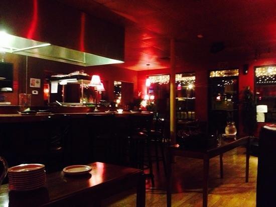 Chill Restaurant & Bar: Early evening